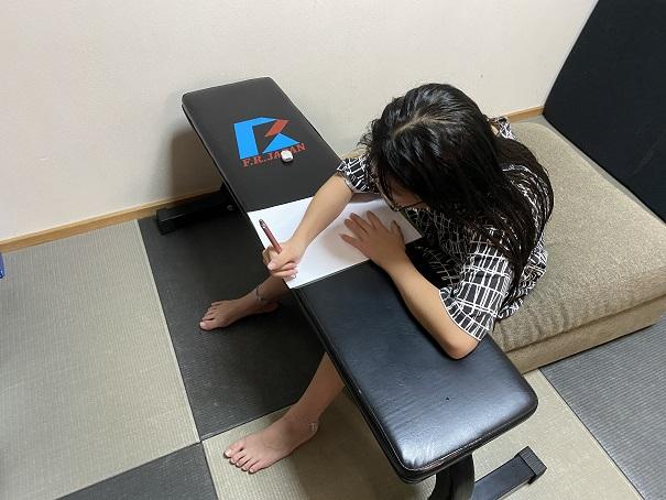 フラットベンチPRO子供の勉強机に
